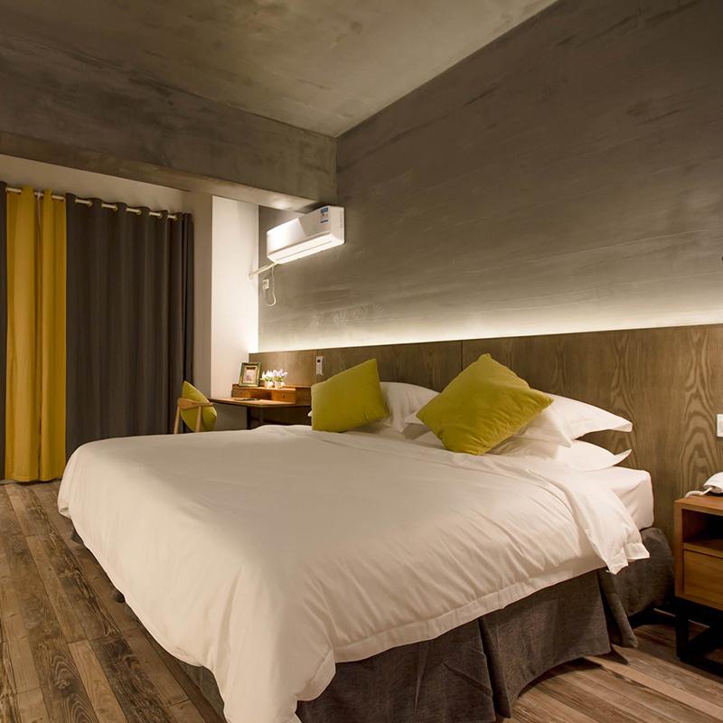 大型酒店套房艺术墙漆施工
